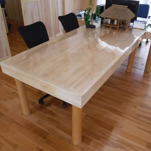 gallery-table-c